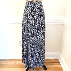 Dresses & Skirts - Modest Ikat Print Maxi Skirt Black & White Size XL